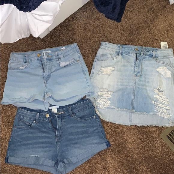 Hollister Pants - DEMIN BUNDLE!! It's skirt n short season